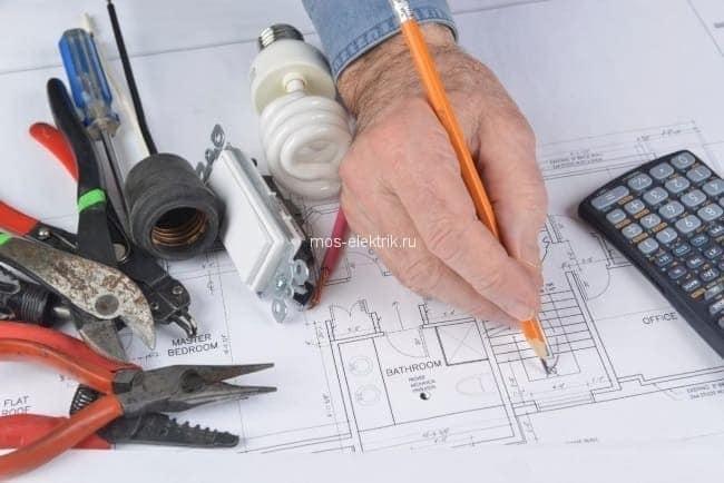 Стоимость замены проводки в трехкомнатной квартире